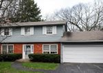 Foreclosed Home in Lincolnshire 60069 72 RIVERWOODS RD - Property ID: 2661211