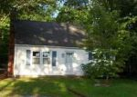 Foreclosed Home in Bolton 06043 11 LLYNWOOD DR - Property ID: 2781036