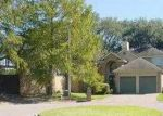 Foreclosed Home in Lafayette 70506 107 LAMAS CIR - Property ID: 3273567