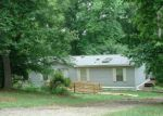 Foreclosed Home in Ruther Glen 22546 27145 OAKLAWN CIR - Property ID: 3292428