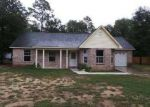 Foreclosed Home in Milton 32570 7464 BOWERS DR - Property ID: 3360284