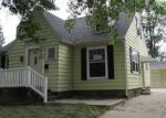 Foreclosed Home in Cedar Rapids 52404 111 17TH ST SW - Property ID: 3379188