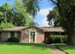 Foreclosed Home in Houston 77045 4302 GRAPEVINE ST - Property ID: 3380062