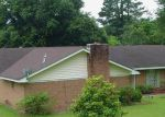 Foreclosed Home in Vicksburg 39180 801 LAKESIDE DR - Property ID: 3385291