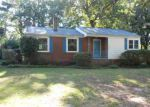 Foreclosed Home in Greenwood 29646 823 SUNSET DR - Property ID: 3390072