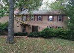 Foreclosed Home in Lincolnshire 60069 100 N ELM RD - Property ID: 3447843