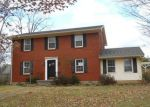 Foreclosed Home in Elizabethtown 42701 914 INDIAN HILLS DR - Property ID: 3459724