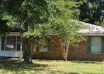 Foreclosed Home in Lafayette 70501 410 MARTIN OAKS DR - Property ID: 3474660