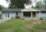 Foreclosed Home in Chattanooga 37406 3868 MARK TWAIN CIR - Property ID: 3477327