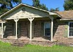 Foreclosed Home in Beulaville 28518 203 E BOSTIC ST - Property ID: 3490222