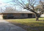 Foreclosed Home in Terrell 75160 211 STONEGATE ST - Property ID: 3490919
