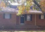 Foreclosed Home in Natchez 39120 10 VAUGHN DR - Property ID: 3493593