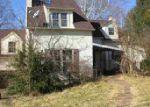Foreclosed Home in Huntington 25705 5736 E PEA RIDGE RD - Property ID: 3576134