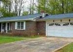 Foreclosed Home in Rainbow City 35906 115 LAKEWOOD CIR - Property ID: 3650634