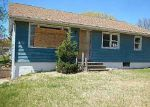 Foreclosed Home in Cedar Rapids 52404 3102 BOWLING ST SW - Property ID: 3663343