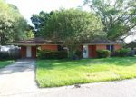 Foreclosed Home in Lafayette 70501 135 SUNSET DR - Property ID: 3670698