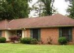 Foreclosed Home in Tupelo 38801 914 POPLARVILLE ST - Property ID: 3714777