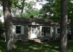 Foreclosed Home in South Bend 46628 55466 BUTTERNUT RD - Property ID: 3718550