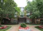 Foreclosed Home in Lincolnshire 60069 207 RIVERSHIRE LN APT 205 - Property ID: 3752949
