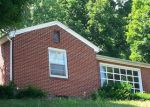 Foreclosed Home in Bluefield 24701 209 POWHATAN AVE - Property ID: 3756713