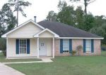 Foreclosed Home in Slidell 70460 124 BEAU CHENES DR - Property ID: 3856820