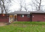 Foreclosed Home in South Bend 46628 52565 LYNNEWOOD AVE - Property ID: 3868379