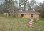 Foreclosed Home in Vicksburg 39180 70 LAKELAND PARK DR - Property ID: 3889588