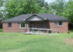 Foreclosed Home in Maxton 28364 702 S AUSTIN ST - Property ID: 3900844