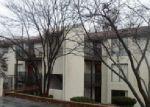 Foreclosed Home in Lake Ozark 65049 24 E CASA DEL RIO DR UNIT 2B - Property ID: 3911163