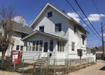 Foreclosed Home in Cedar Rapids 52403 370 18TH ST SE - Property ID: 3934088