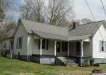 Foreclosed Home in Sweetwater 37874 2733 SWEETWATER VONORE RD - Property ID: 3946071
