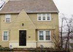 Foreclosed Home in Cleveland 44120 3002 BECKET RD - Property ID: 3957395