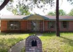 Foreclosed Home in Kaufman 75142 904 CRESTVIEW DR - Property ID: 3957982