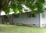 Foreclosed Home in Sweetwater 37874 110 GLENWOOD DR - Property ID: 3961017
