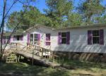 Foreclosed Home in Red Springs 28377 7121 RED SPRINGS RD - Property ID: 3969338