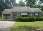 Foreclosed Home in Greenville 38701 1030 N DYER CIR - Property ID: 3981176