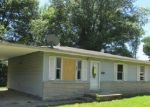 Foreclosed Home in Shelbyville 46176 68 EAST DR - Property ID: 3983407