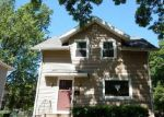 Foreclosed Home in Cedar Rapids 52402 823 OAKLAND RD NE - Property ID: 3987100