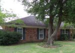 Foreclosed Home in Lafayette 70506 226 SAINT JAMES DR - Property ID: 3995246