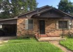 Foreclosed Home in Youngsville 70592 303 AVENUE B - Property ID: 3995257