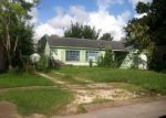 Foreclosed Home in Houston 77015 1732 PARKEY LN - Property ID: 4002090