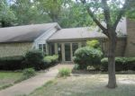 Foreclosed Home in Tyler 75702 1803 N PARKDALE DR - Property ID: 4008602