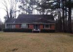 Foreclosed Home in Vicksburg 39180 3912 HALLS FERRY RD - Property ID: 4020487