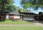 Foreclosed Home in Elkhart 46516 1907 MOREHOUSE AVE - Property ID: 4021282