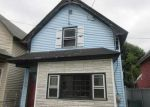 Foreclosed Home in Lowell 01850 10 L ST - Property ID: 4026793