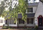 Foreclosed Home in Hutchinson 67502 211 W 18TH AVE - Property ID: 4045773