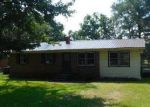Foreclosed Home in Laurinburg 28352 207 ALDER RD - Property ID: 4047041
