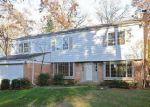 Foreclosed Home in Lincolnshire 60069 6 RELIANCE LN - Property ID: 4061581