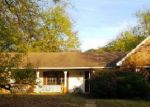 Foreclosed Home in Tupelo 38801 1212 QUEENSGATE DR - Property ID: 4073061