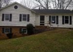 Foreclosed Home in Charlotte 28214 7938 PAWTUCKETT RD - Property ID: 4085340